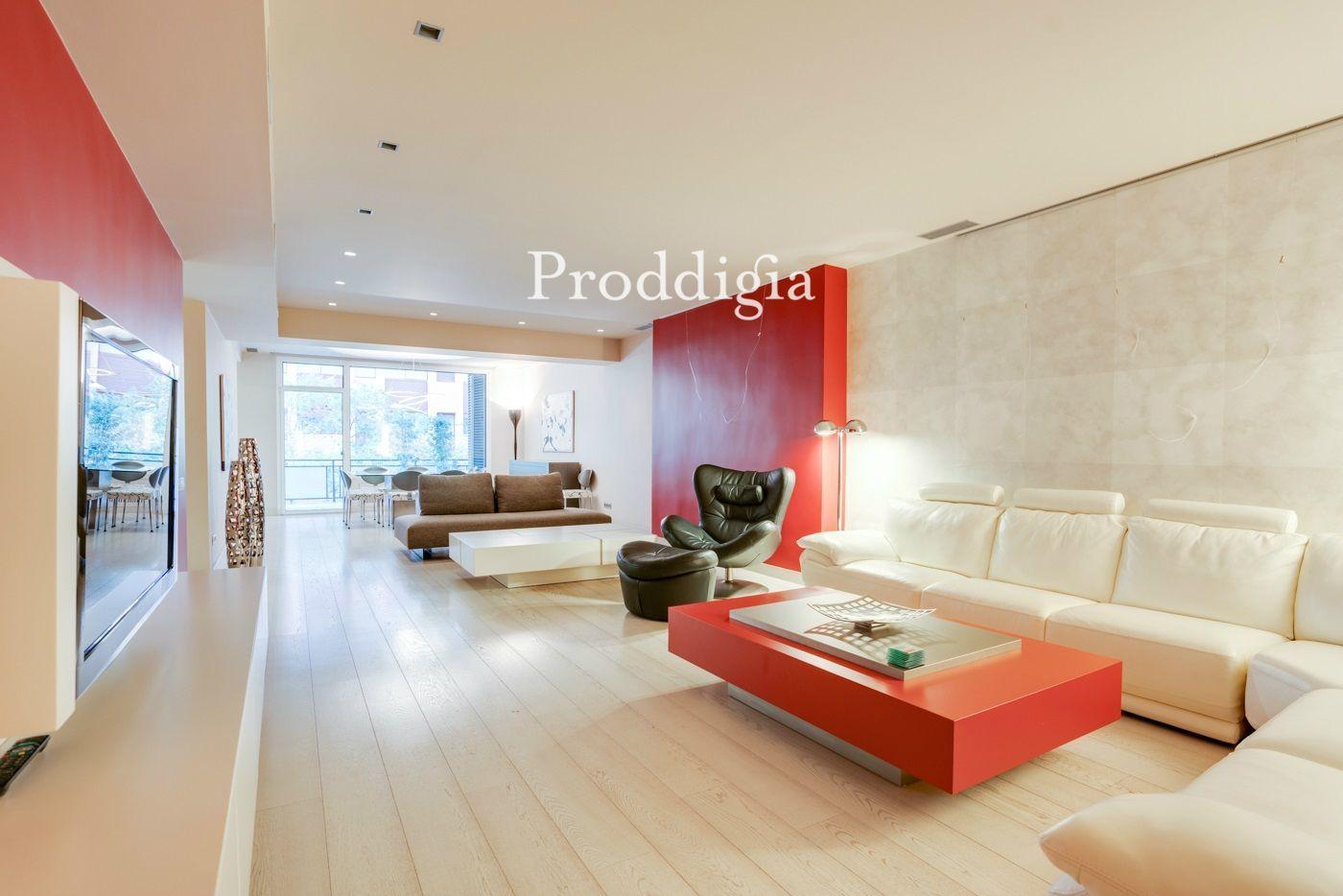 Exclusivo piso de 280m2 en la calle Tuset