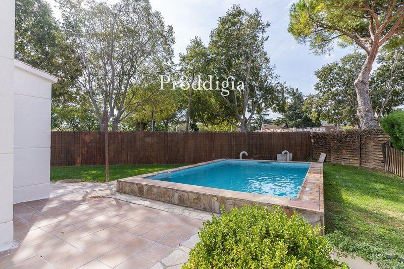 VISITA VIRTUAL. Magnífica casa con piscina en Mirasol
