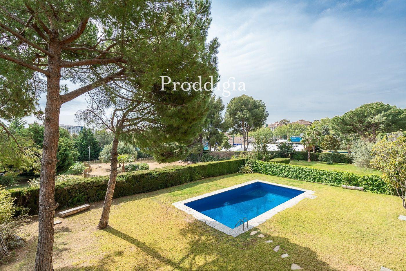 Sensacional piso en Pedralbes en finca con piscina y parking