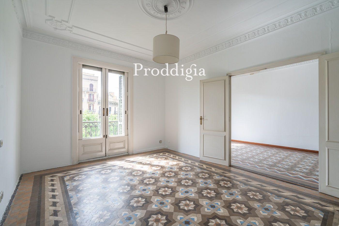 VIRTUAL VISIT. Apartment in royal estate in the Quadrat d'Or de l'Eixample