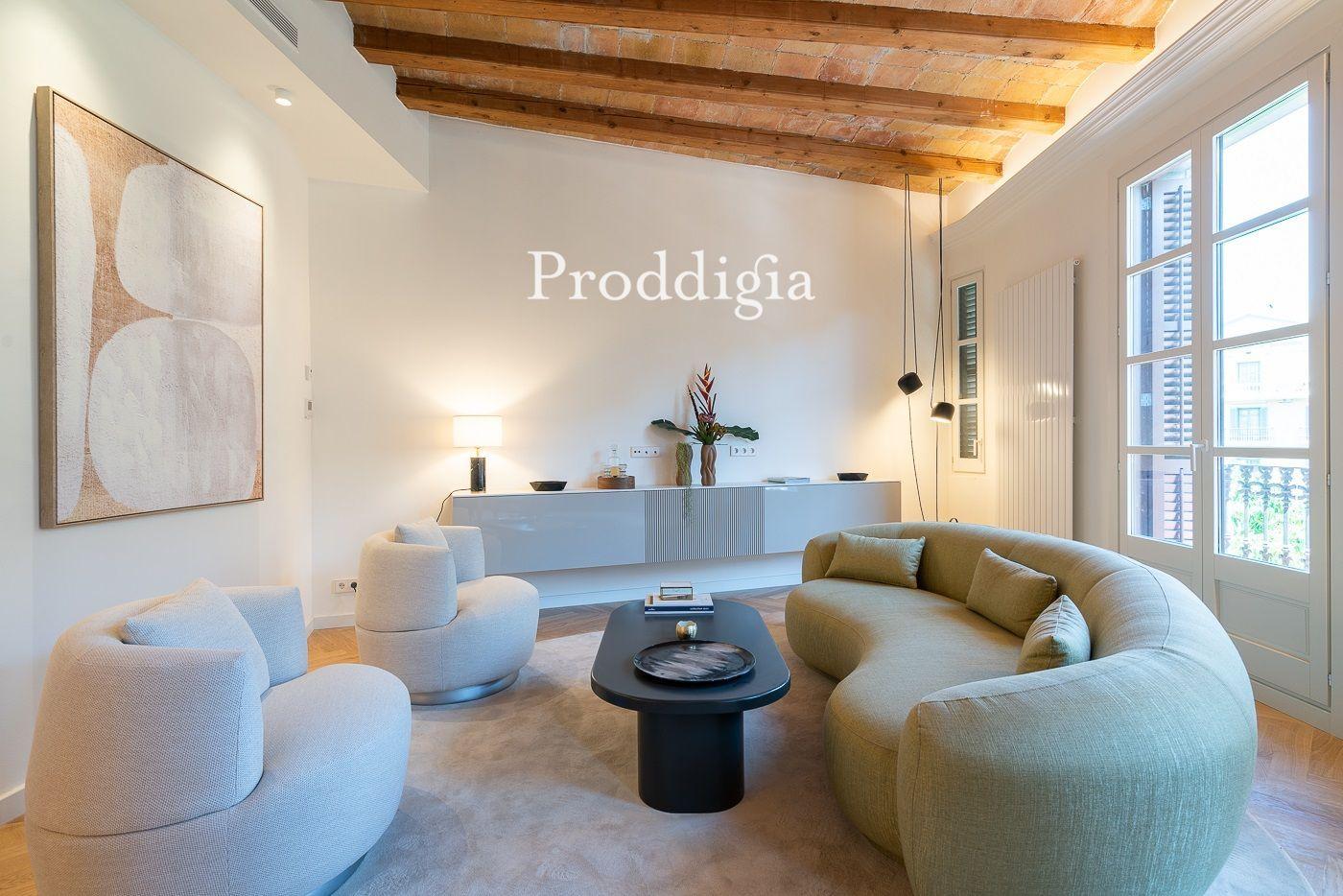 VIRTUAL VISIT. Renovated apartment in a regal building in calle Aragó / Bruc