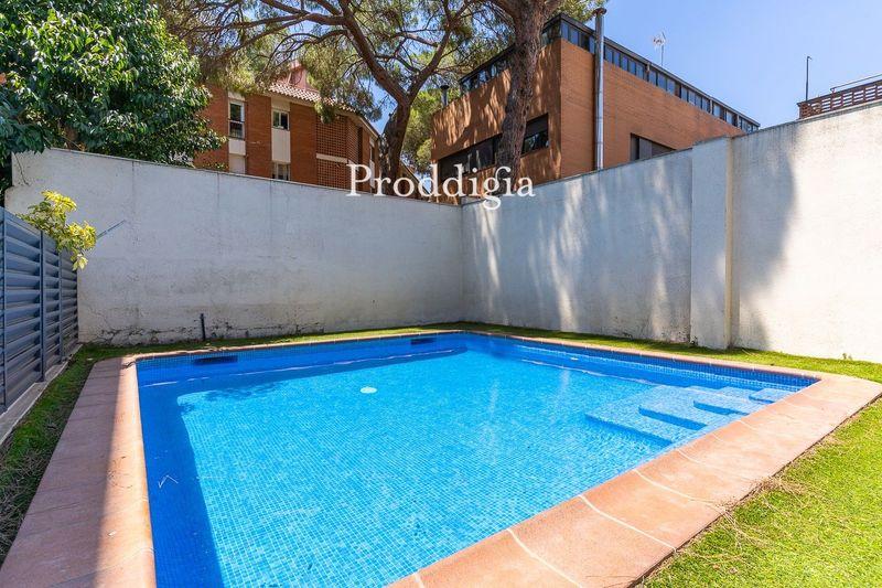 Piso con 2 habitaciones y piscina comunitaria en Eixample