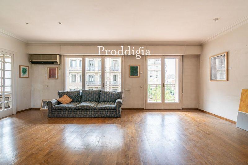 VIRTUAL VISIT. Spacious and elegant apartment in Eixample Dret