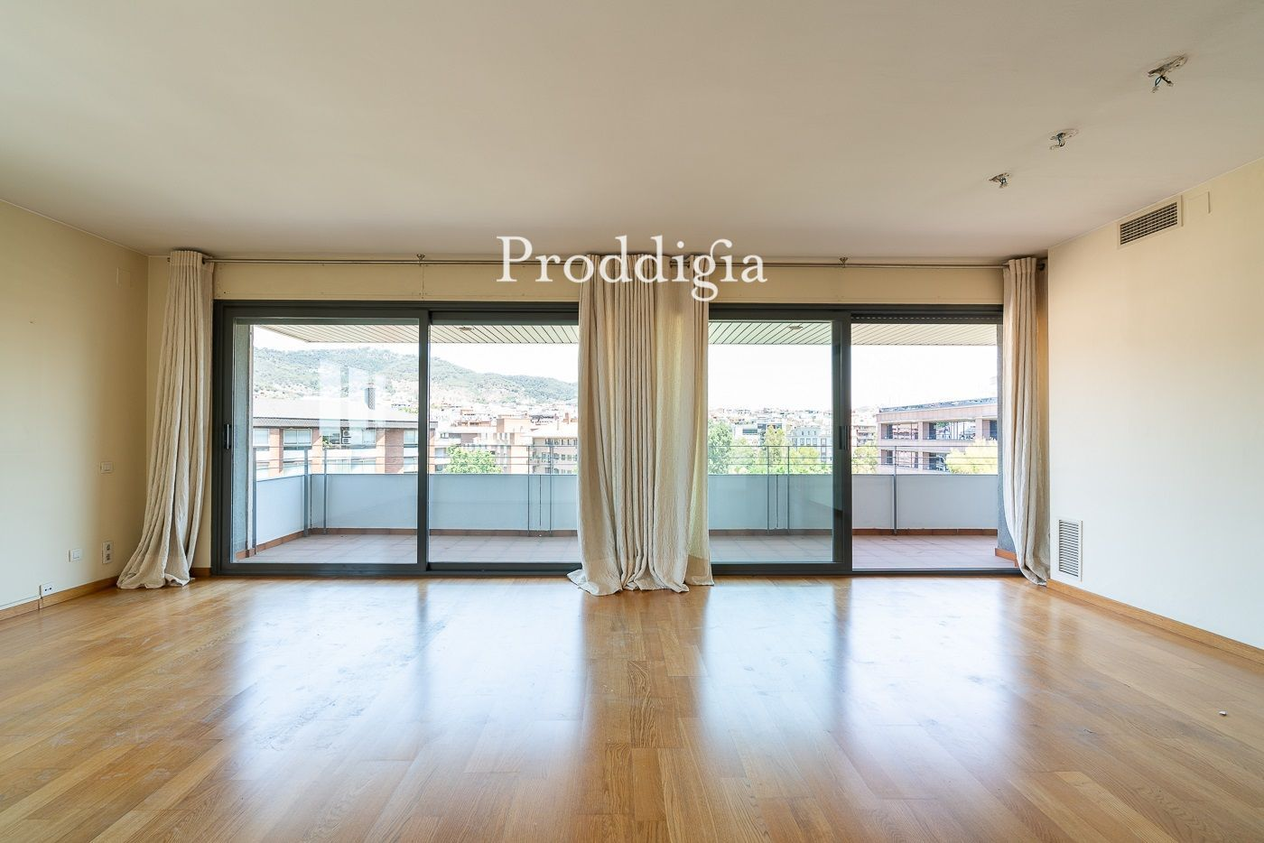 VIRTUAL VISIT. Spectacular apartment with 3 winds in Tres Torres
