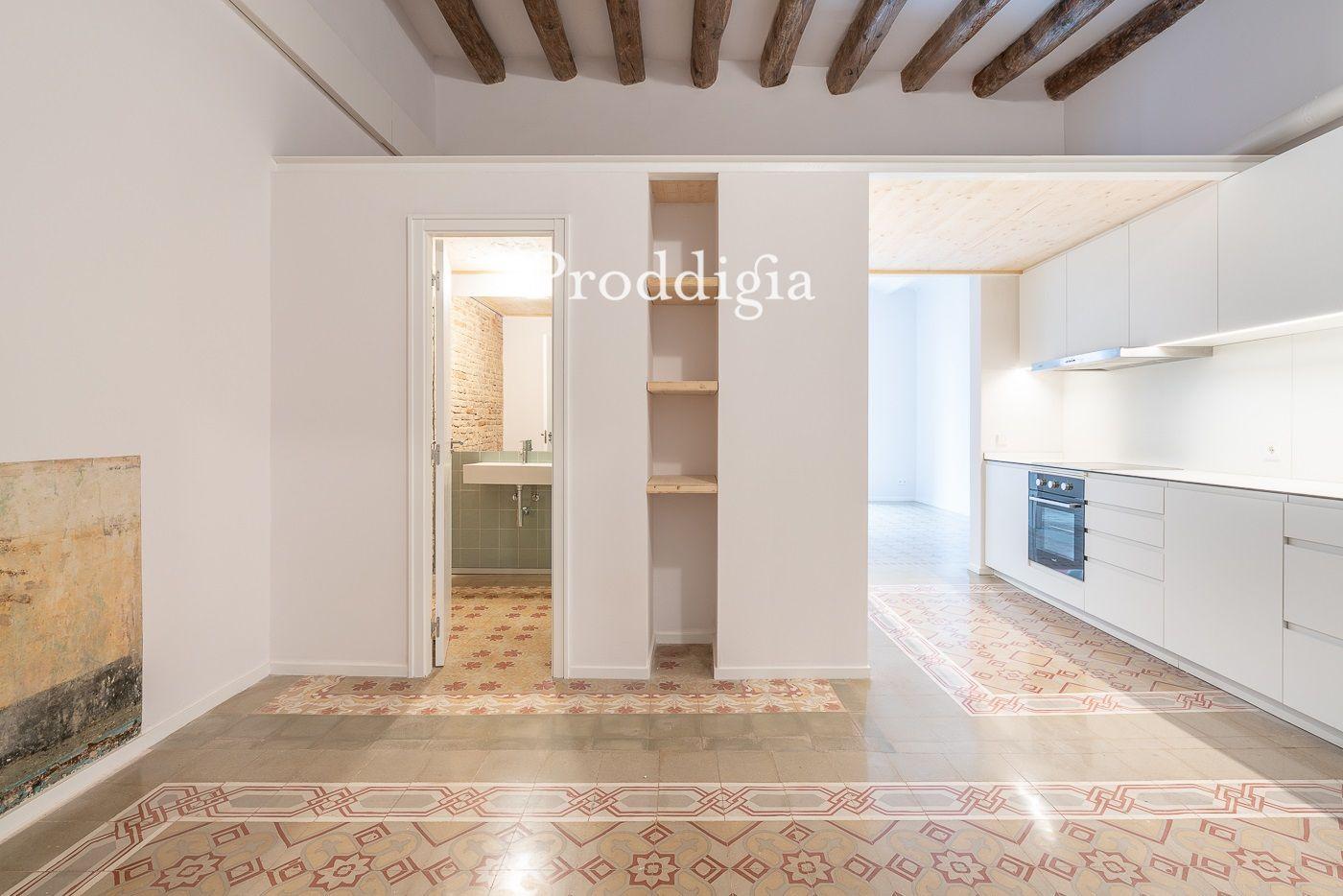 Precioso piso a una calle de Portal del Angel.