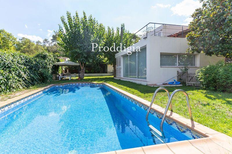 VISITA VIRTUAL. Espectacular casa unifamiliar con piscina en Valldoreix