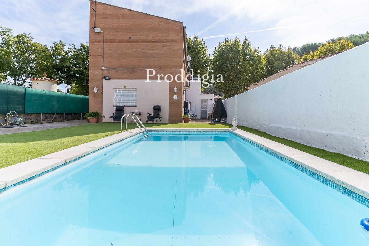 Acogedora casa con piscina en Mirasol
