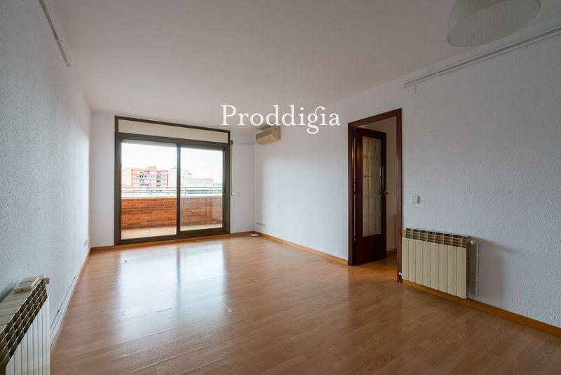VISITA VIRTUAL. Precioso piso con Vistas Poble Sec