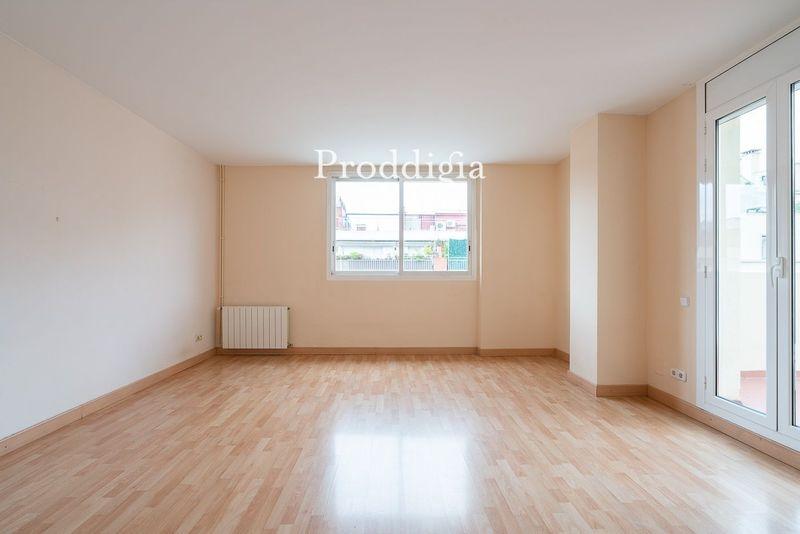 Fantástico piso en calle Muntaner