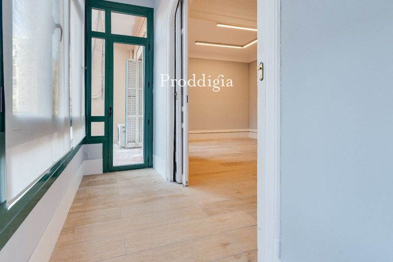 Increíble oficina en calle Aribau de 179m²