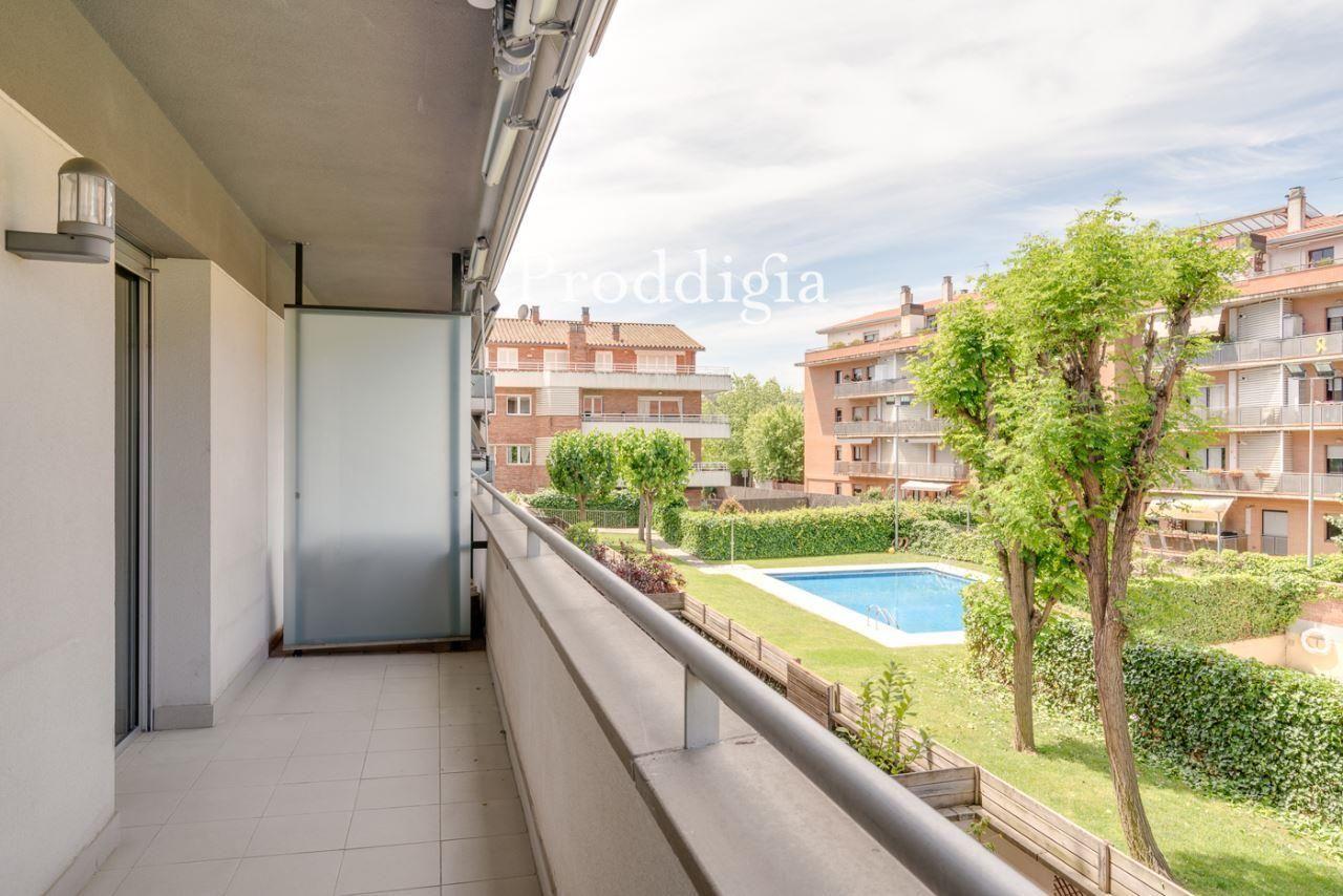 Pis molt lluminós amb terrassa al costat del Col·legi Europa a Torreblanca