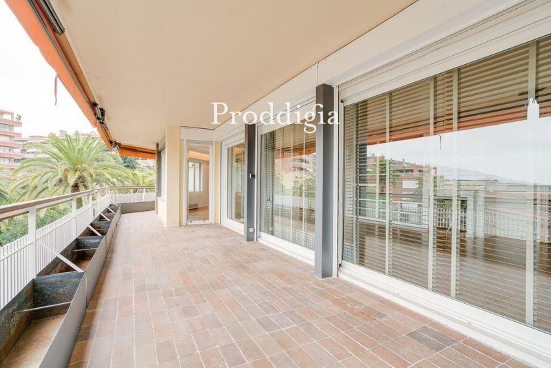 ¡VISITA EN REALIDAD VIRTUAL DISPONIBLE! PRODDIGIA i4D  Espectacular piso de 350 m² en Plaza Castelló
