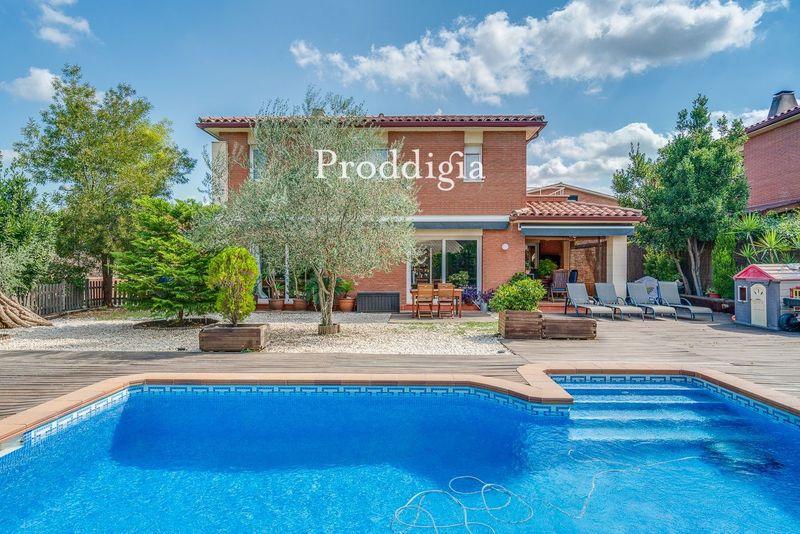 VISITA VIRTUAL. Fantástica casa reformada con piscina