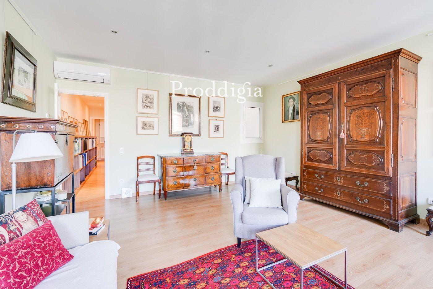 VISITA VIRTUAL. Precioso piso de dos dormitorios en Corsega con Bruc