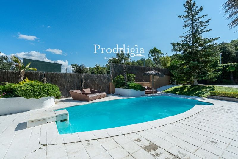 VISITA VIRTUAL. Impresionante casa unifamiliar con piscina en Valldoreix