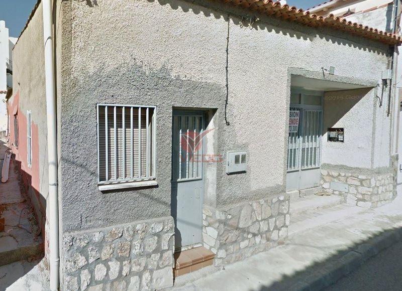 Casa en venta  en Saelices, Cuenca . Ref: 102700. Inmobiliaria Vieco