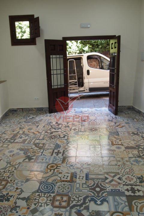 Local en alquiler  en Cuenca . Ref: 104500. Inmobiliaria Vieco