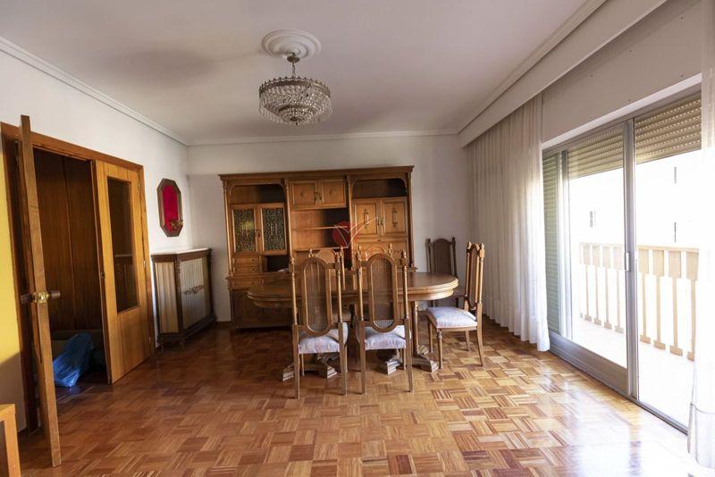 Piso en venta  en Cuenca . Ref: 106480. Inmobiliaria Vieco
