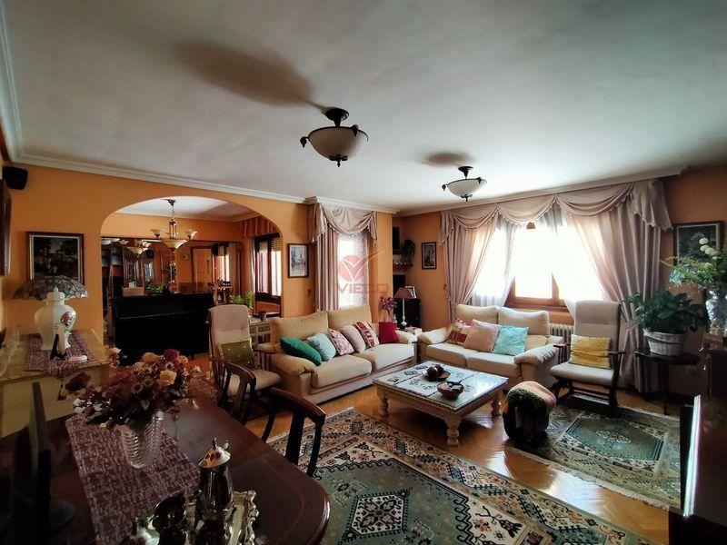 Piso en venta  en Cuenca . Ref: 107270. Inmobiliaria Vieco