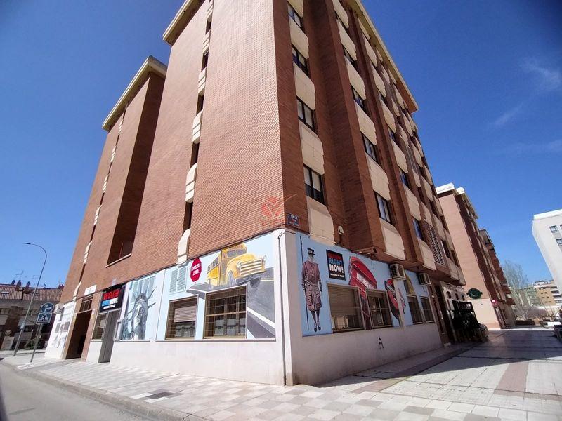 Garaje en venta y alquiler  en Cuenca . Ref: 14940. Inmobiliaria Vieco