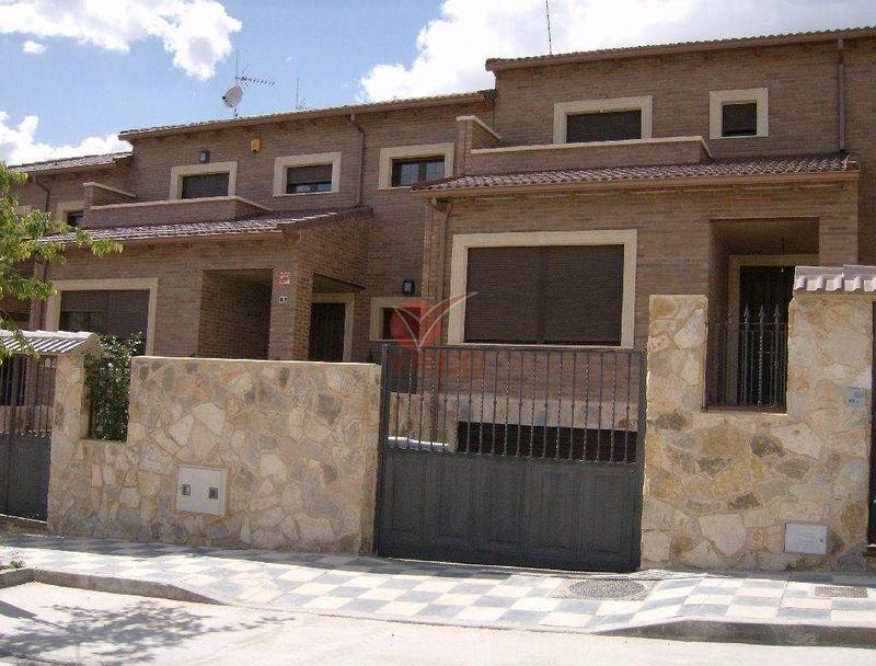 Chalet en venta y alquiler  en Cuenca . Ref: 37120. Inmobiliaria Vieco