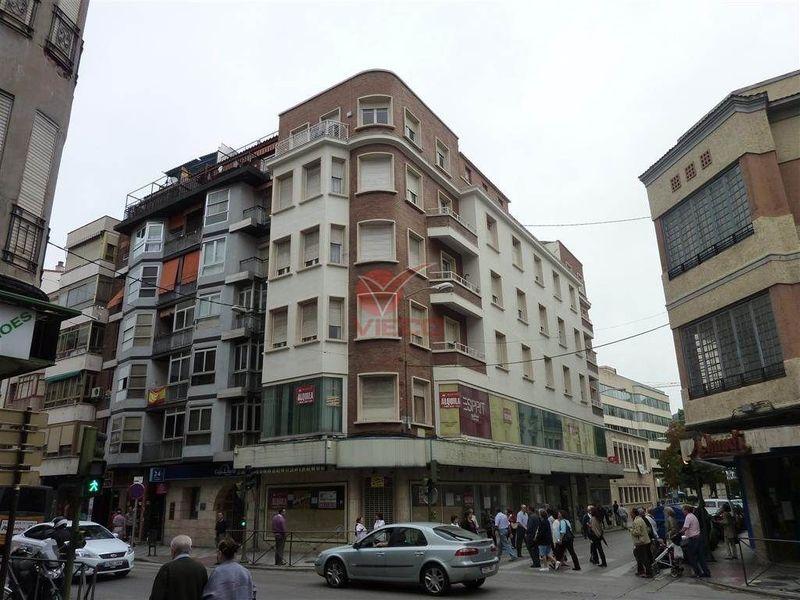Local en venta y alquiler  en Cuenca . Ref: 60770. Inmobiliaria Vieco