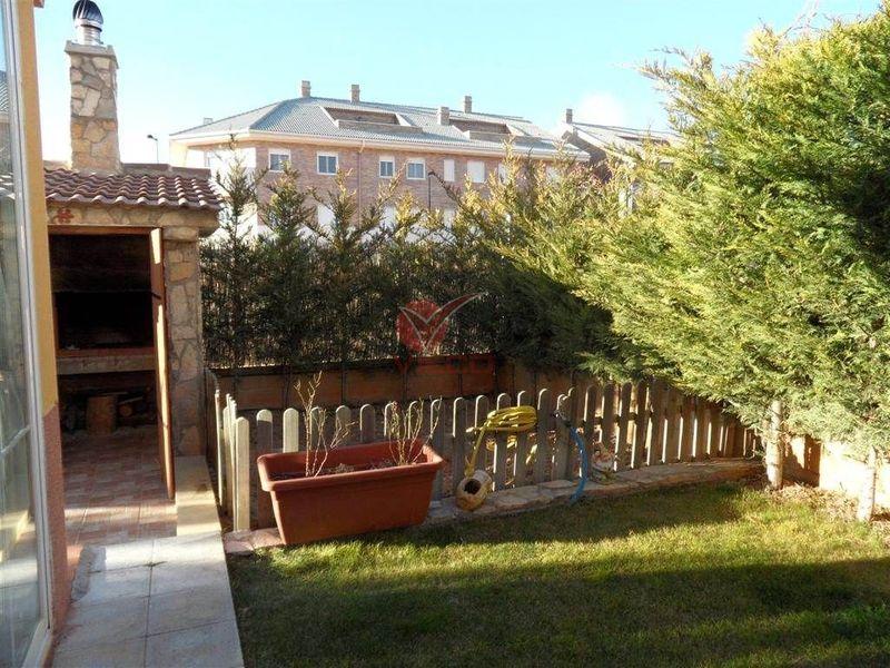 Chalet en venta  en Arcas, Cuenca . Ref: 63510. Inmobiliaria Vieco