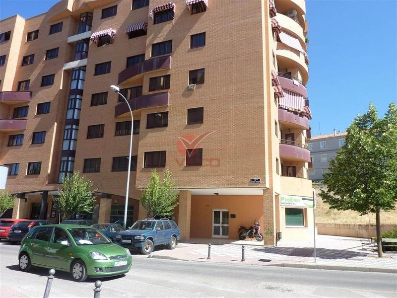 Local en venta y alquiler  en Cuenca . Ref: 66600. Inmobiliaria Vieco