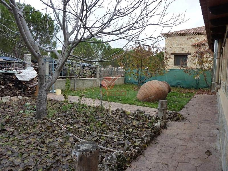 Chalet en venta  en Chillaron De Cuenca, Cuenca . Ref: 76080. Inmobiliaria Vieco