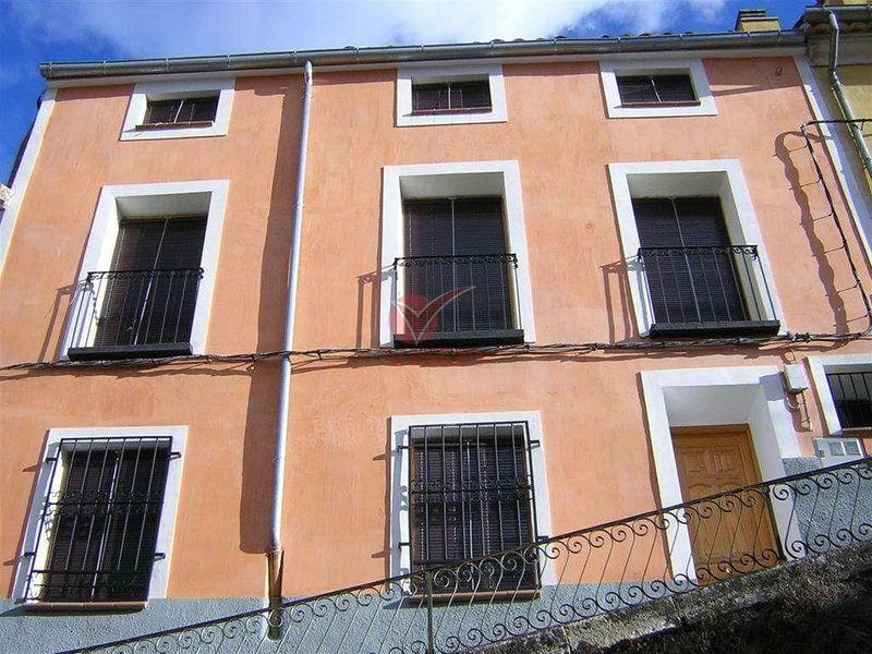 Casa en venta y alquiler  en Cuenca . Ref: 78370. Inmobiliaria Vieco