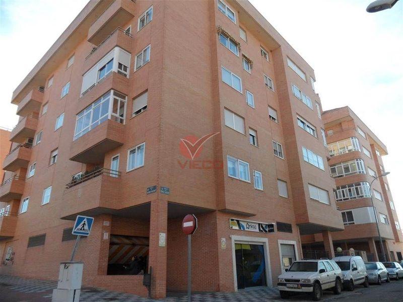 Garaje en venta y alquiler  en Cuenca . Ref: 81030. Inmobiliaria Vieco