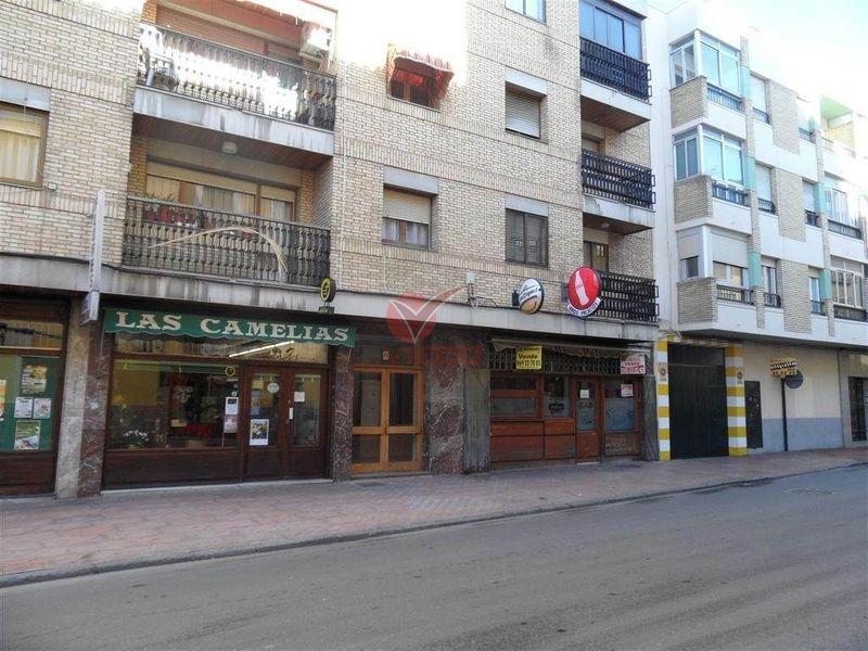 Local en venta y alquiler  en Cuenca . Ref: 81590. Inmobiliaria Vieco