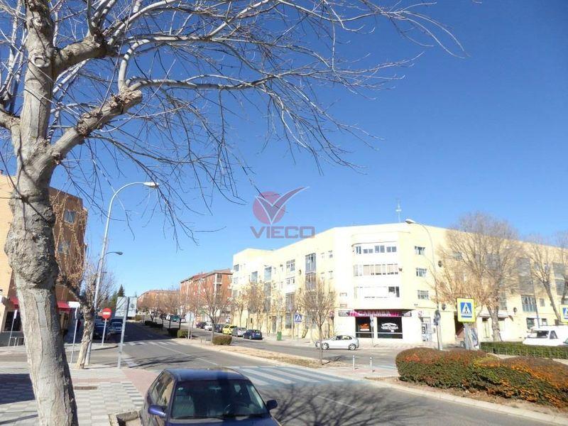 Local en venta y alquiler  en Cuenca . Ref: 91250. Inmobiliaria Vieco