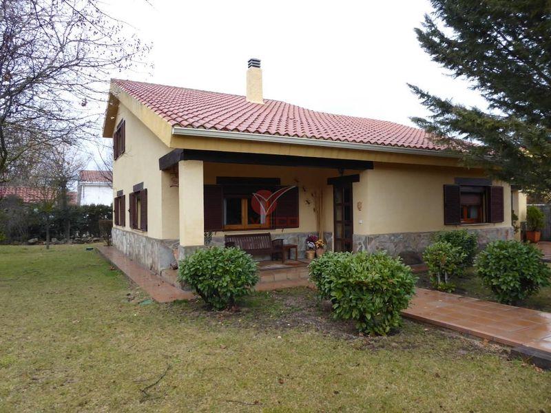 Chalet en venta  en Arcas, Cuenca . Ref: 96060. Inmobiliaria Vieco