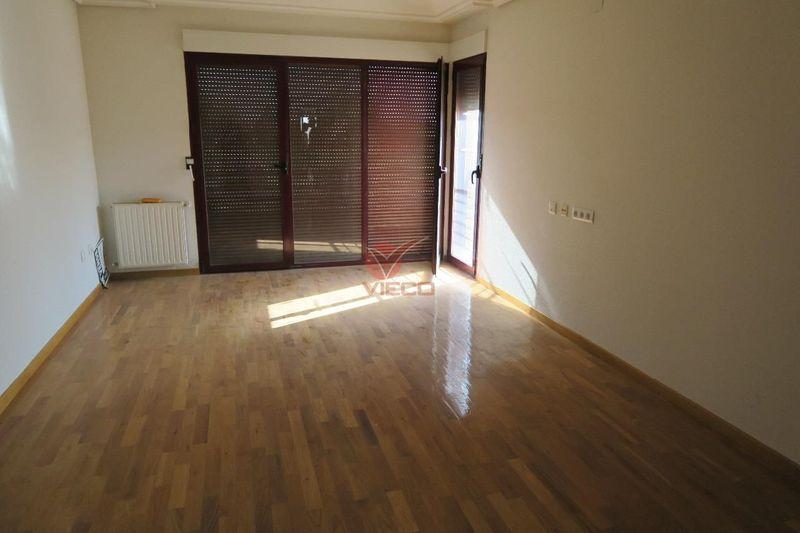 Chalet en venta  en Cuenca . Ref: 97510. Inmobiliaria Vieco