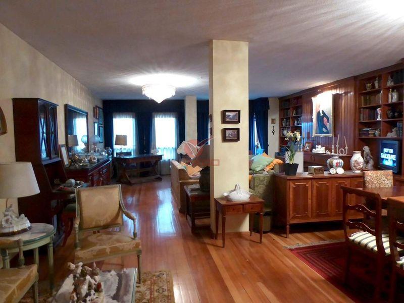 Piso en venta  en Cuenca . Ref: 98110. Inmobiliaria Vieco