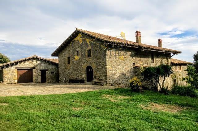 1041: Villa in Sant Esteve De Llemana