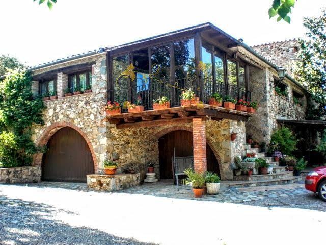 1071: Casas rusticas in La Cellera de Ter
