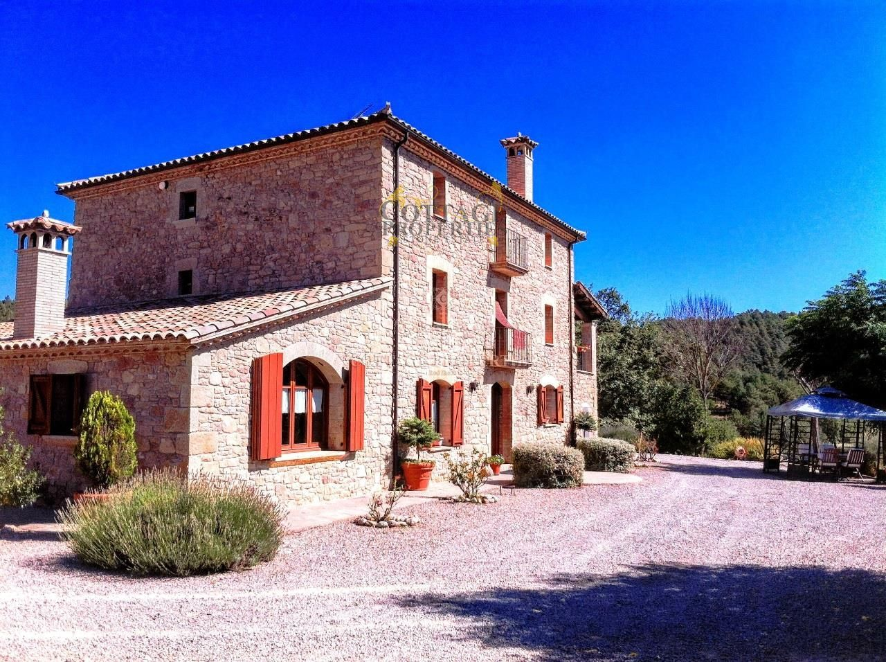1150: Villa in Borreda