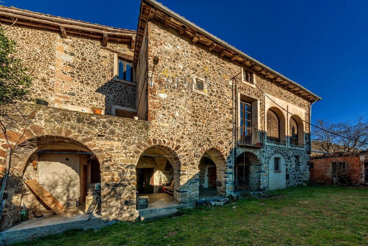 1153: Villa in Olot