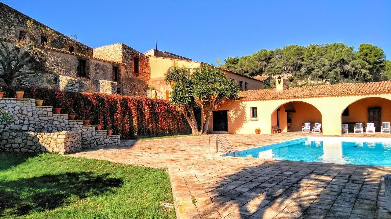 1268: Villa in Sitges
