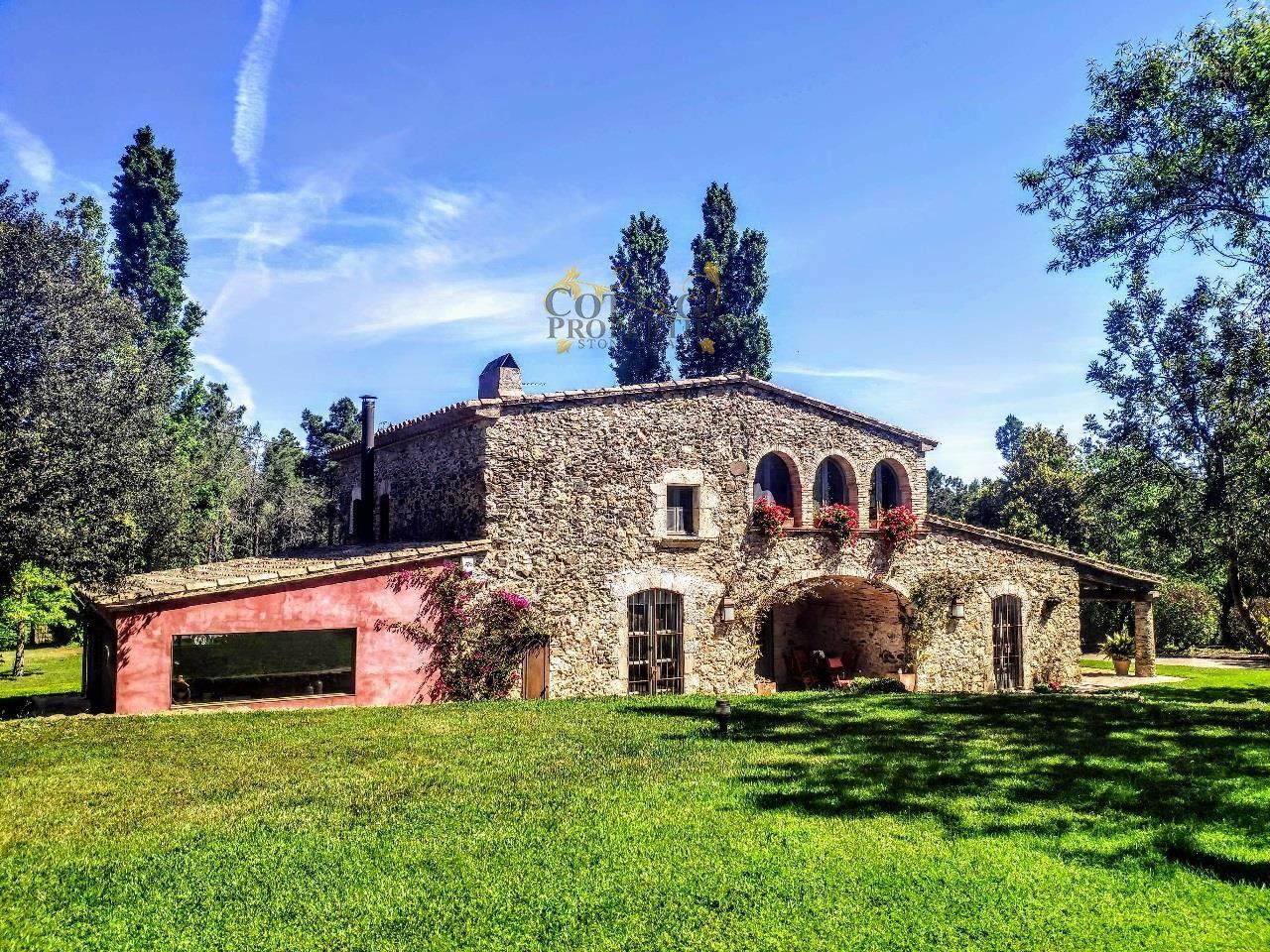 1296: Villa in Mont-Ras