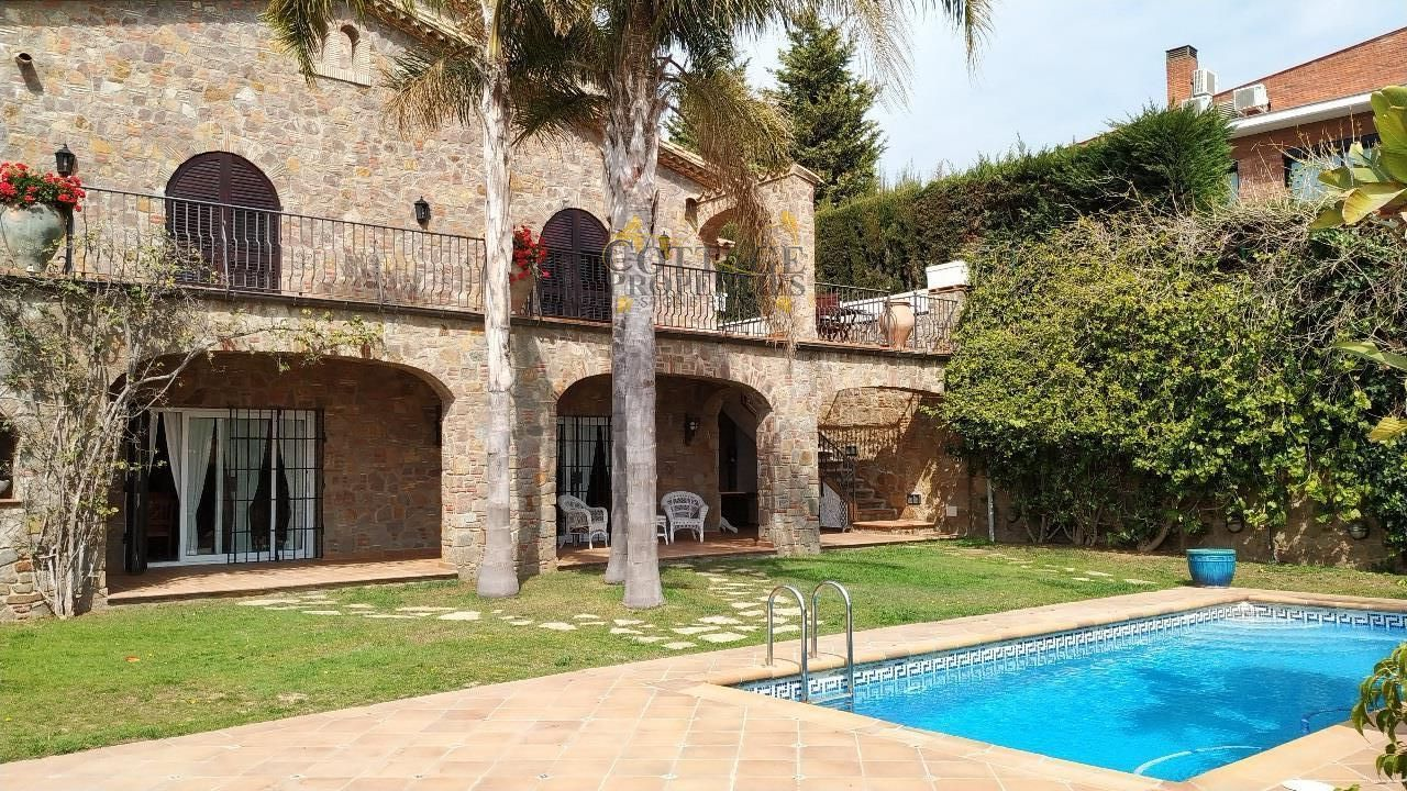 Ref:1328 Villa For Sale in Mataró