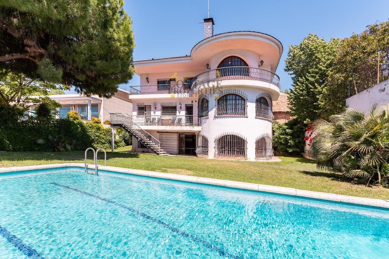 Ref:1329 Detached House For Sale in El Masnou
