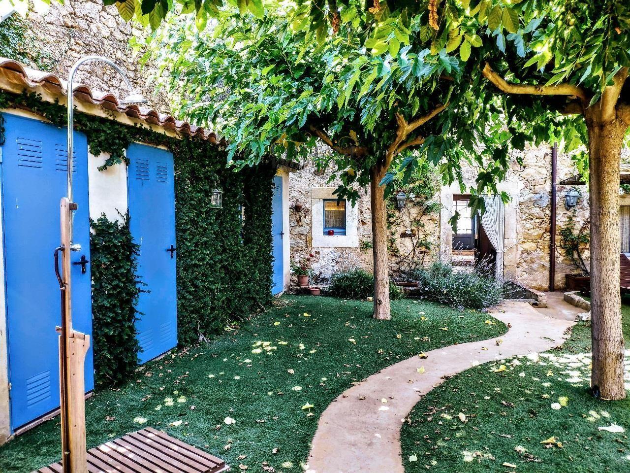 1345: Casas de pueblo in Pals