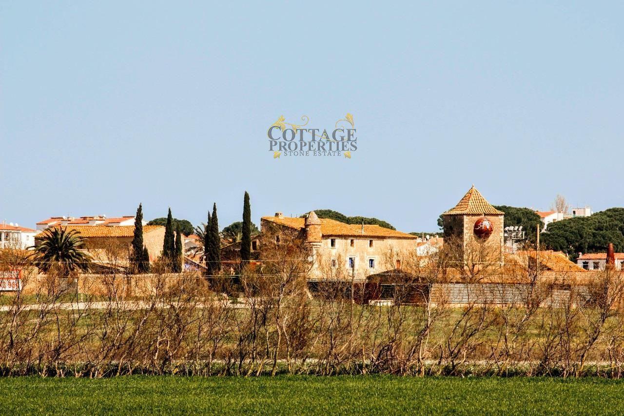 Ref:1390 Villa For Sale in Escala, L'