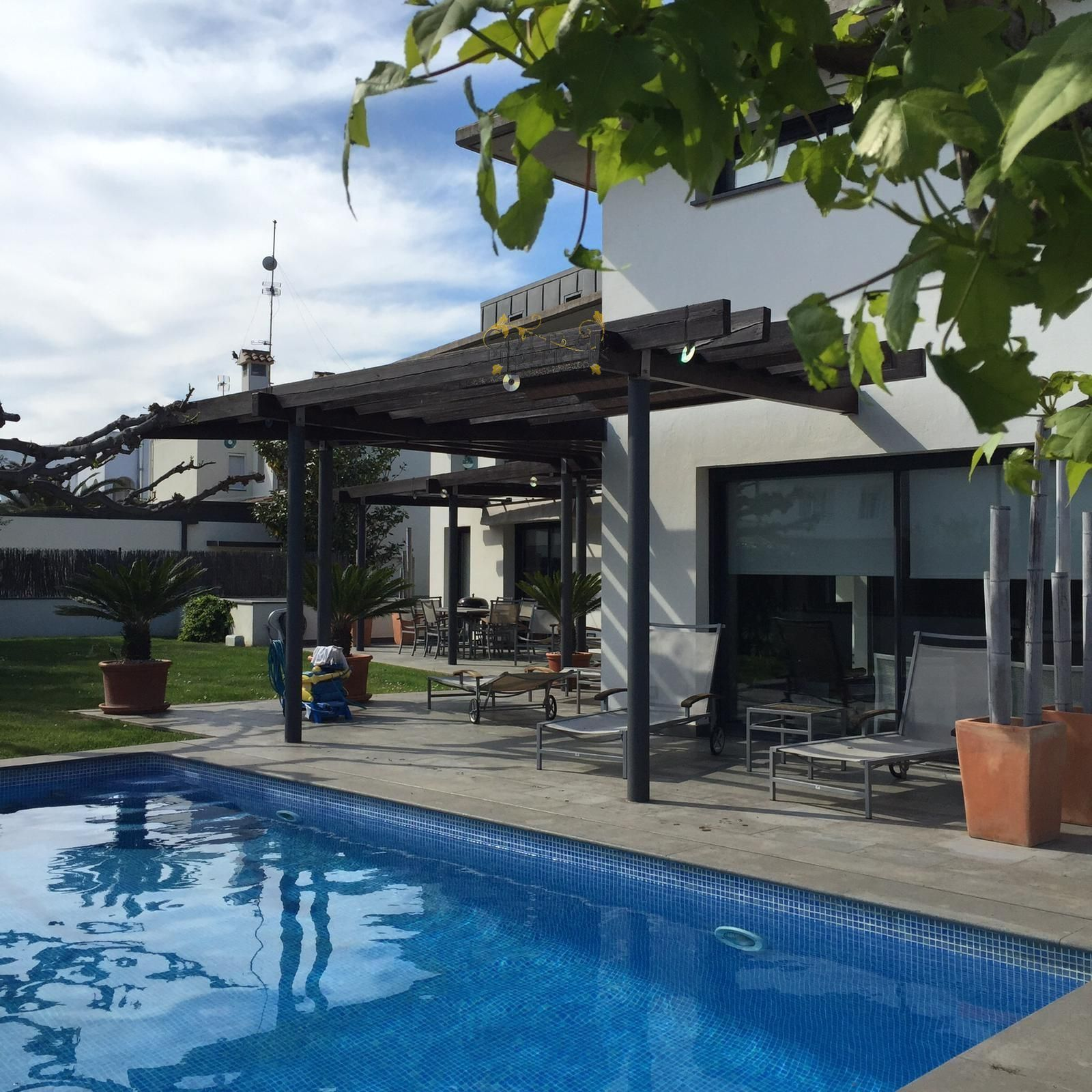 1462: Chalets Independientes in Roses