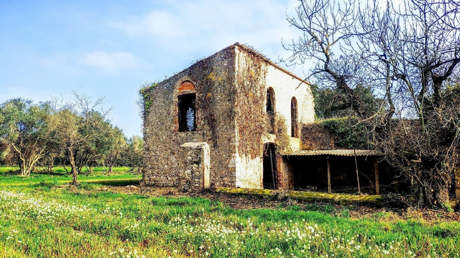 1467: Villa in Navata