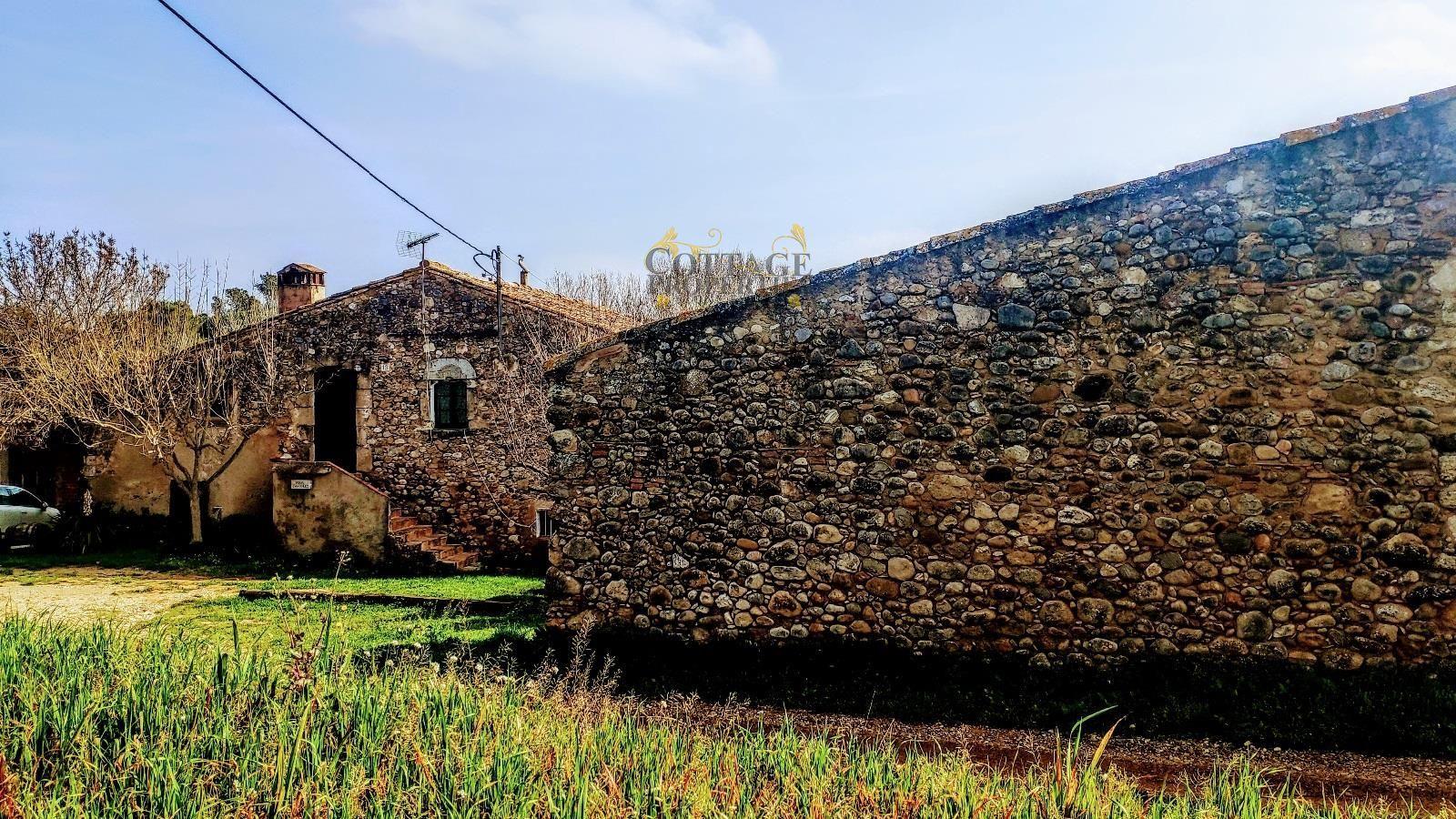 1468: Villa in Navata