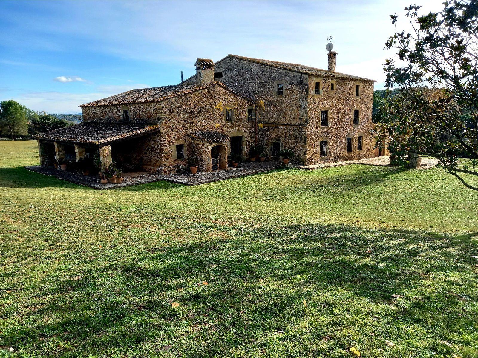 1522: Villa in Monells